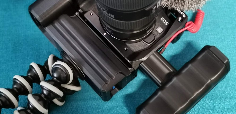 Canon EOS RP + cage + cage battery add on and side grip handles