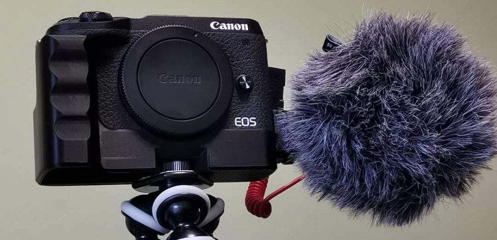 Extension Grip with additional cold shoe for Canon EOS M6 mark II