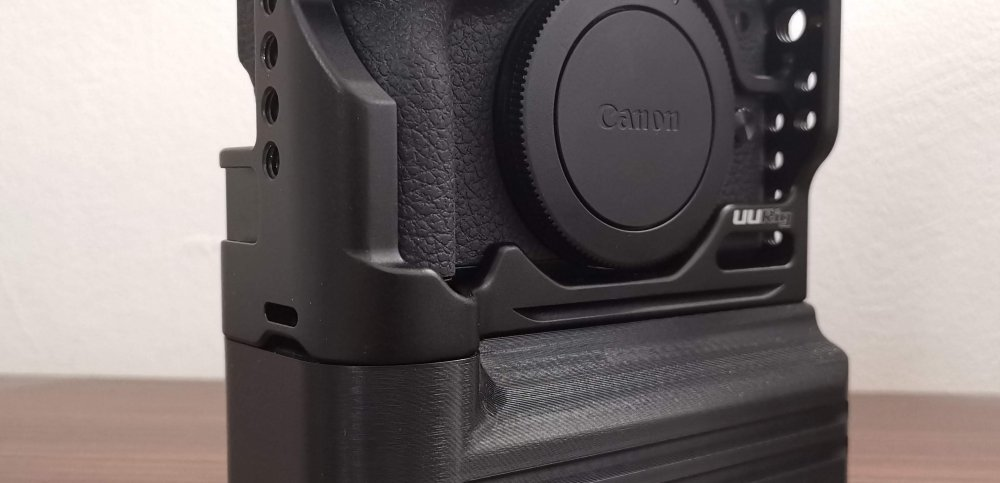 Battery Add-On for Canon EOS M6 Mark II Cage