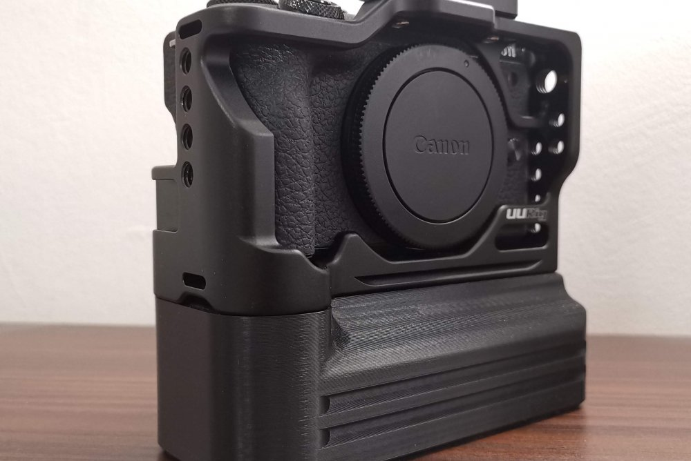 Canon EOS M6 Mark II Cage Battery Add-On