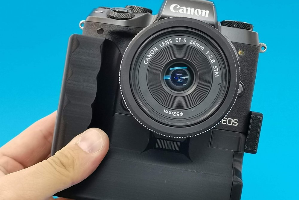 Canon EOS M5 with Custom Battery Grips Battery Grip available @ our online store