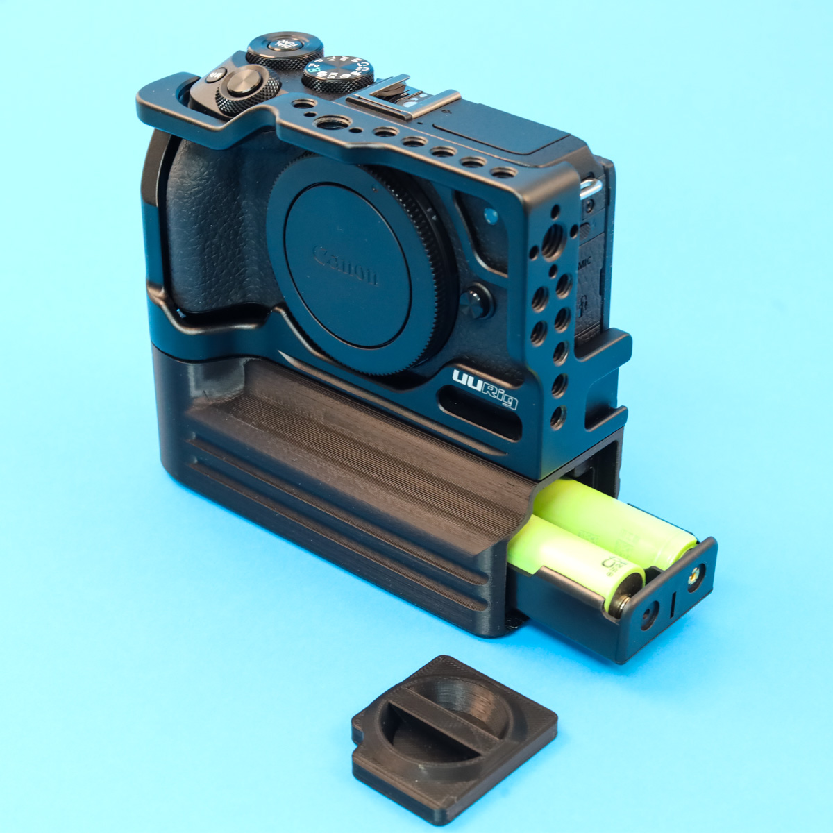 Extreme battery life for Canon EOS M6 mark II UURig Cage with #custombatterygrips Battery Add On